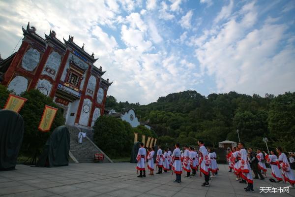 """长江三峡水上""""移动318"""""""